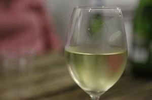 A glass of sauvignon blanc.(Flickr: kateausburn)