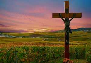 """A crucifix along the road in the """"Montagne de Reims"""" in Champagne. (Flickr: Vainsang)"""