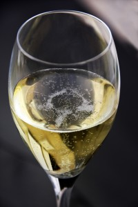 Glass_of_champagne
