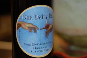 """A """"sulfite free"""" label. (Wikimedia)"""