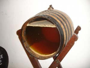 Sherry cask with glassed-side to see interior. (Wikimedia)